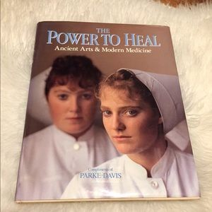 Vintage Accents - 🦋2/$10 3/$15 4/$18 5/$20 Vintage Healing Book